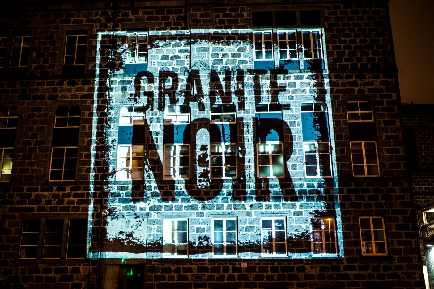 Granite Noir Live Online